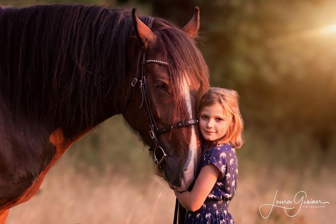 Mädchen und Pferd, Tierfotografie Norddeutschland L. Greiner